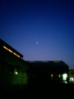 お月様は綺麗に写らない。