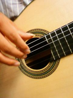 生まれたてのギター